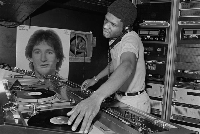 85905-1445303902-Paradise Garage DJ Larry Levan%2C 1979-xl