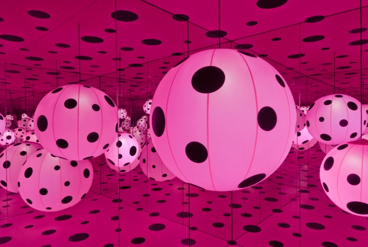 dots_obsession-_love_transformed_into_dots_installation_1